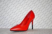 Туфли лодочки женские на шпильке красные