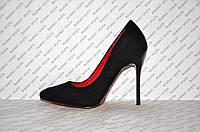 Туфли лодочки на шпильке  черные замшевые
