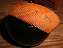 Натуральная расческа из дерева для волос