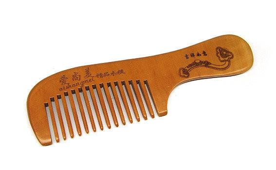 Расческа из дерева сандал для волос