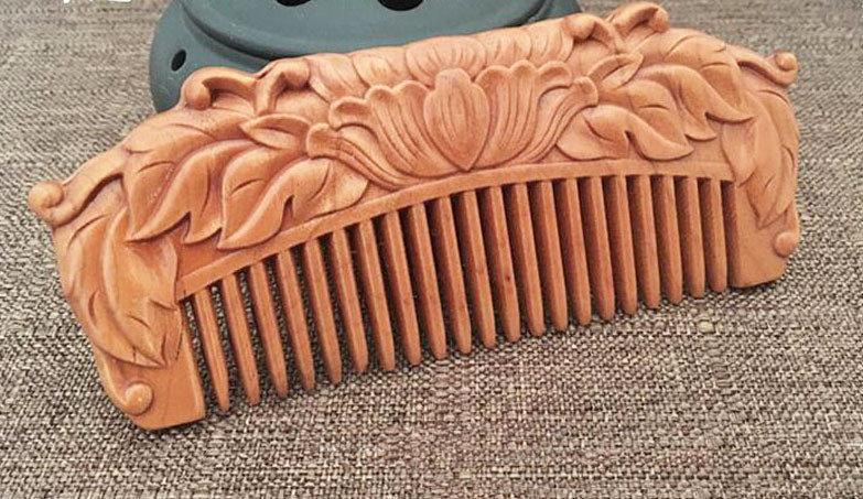 Резной гребень женский для волос из натурального сандала