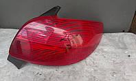 Фонарь задний (стоп) правый Peugeot 206