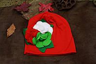 Шапочка детская осенняя со цветком из ткани