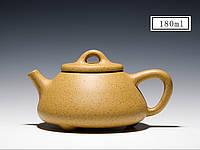 Чайник из исинской глины  Лу Ни на 180 мл с двумя пиалами  в подарочной коробке