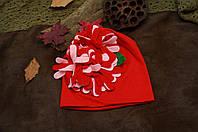 Шапочка  демисезонная детская красная со цветком из ткани