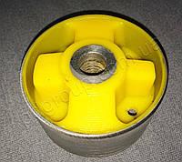 Сайлентблок нижней опоры двигателя большой Renault Trafic 2 2001