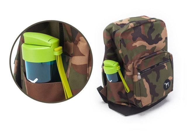 Бутылочка для воды в кармане рюкзака