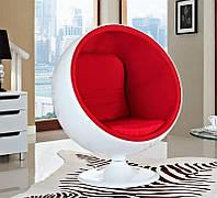 Дизайнерское кресло Ball Chair, сверхпрочный стеклопластик белого цвета, красная подушка, дизайнEero Aarnio