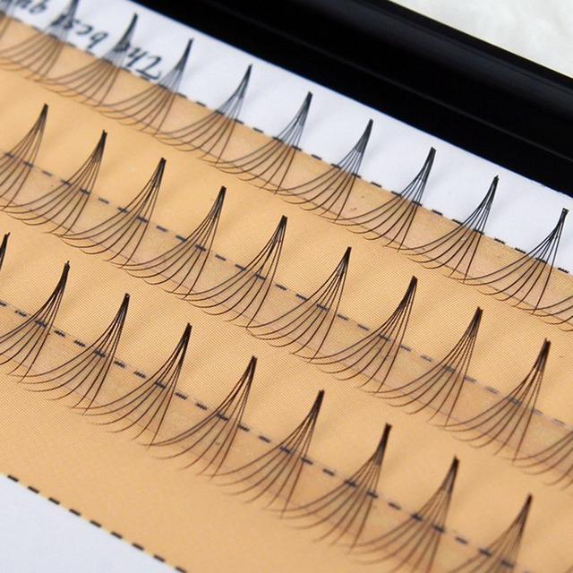 Набор из 60 безузелковыхпучковых ресниц ручной работы Nesura 12 мм