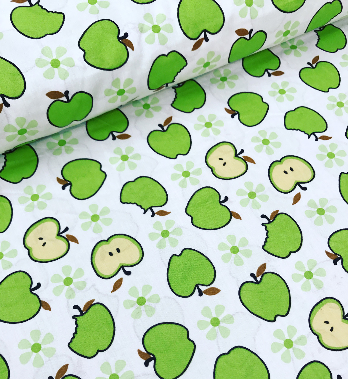 Хлопковая ткань польская яблоки зеленые на белом №600