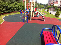 Резиновая плитка (20 мм, 1000 на 1000 мм). Детская площадка во дворе жилого дома.