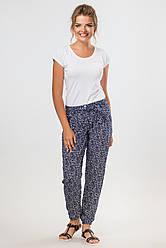Темно-синие летние штапельные брюки с узором и пояском
