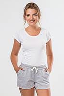 Короткие женские серые шорты с подворотами и карманами