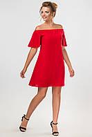 Повседневное женское платье выше колен с открытыми плечами красного цвета