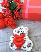 Брошь из бисера Влюблённый Мишка Тедди
