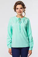 Яркая женская мятная блузка с длинными рукавами на стойке с завязками