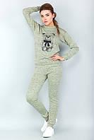 Женский спортивный костюм для дома с мишкой фисташковый