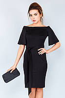 Элегантное вечернее черное платье по фигуре с открытыми плечами и поясом