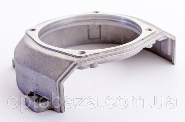 Крышка маховика - крепление верхнего редуктора (малая) для мотокос 40-51 см, куб