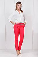 Стильные женские зауженные брюки классические коралловые