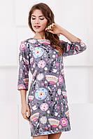 Стильное женское прямое платье до колен с ярким принтом Орнамент