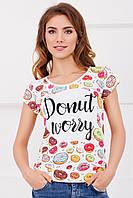 Яркая летняя женская футболка с принтом Пончики
