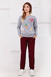 Спортивные женские бордовые брюки с защипами и карманами