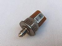 Датчик давления топлива в рейке 03C906051C 3.0 TFSI 24V au AUDI A7 2010-2017