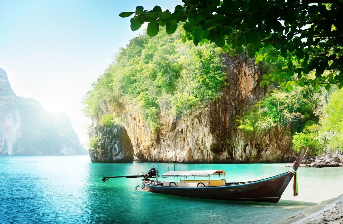 Фотообои: Лодка на берегу
