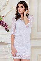 Облегающее мини платье из белого гипюра с рукавом