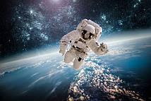 Фотошпалери Космонавт на орбіті