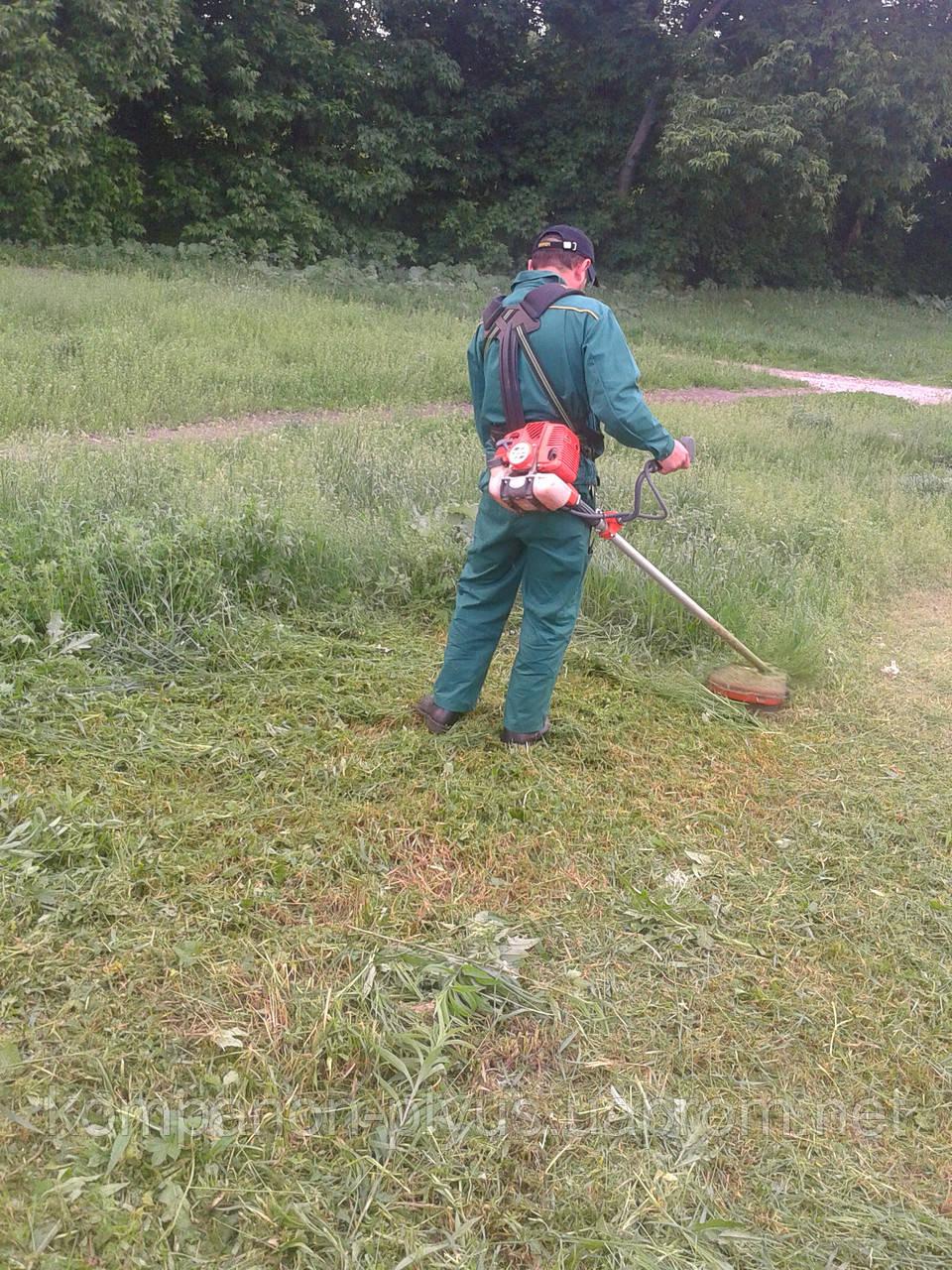 Скос травы Киев. Скашивание травы. Покосить, выкосить траву. Услуги покоса травы, бурьяна. Удаление зарослей.