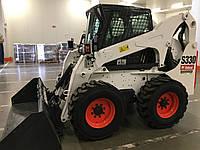 Міні-фронтальний навантажувач Bobcat S330 білого кольору, фото 1