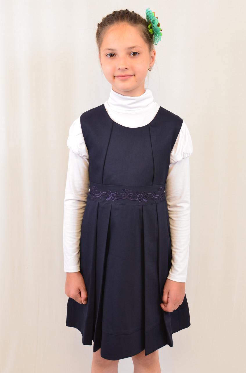 Черный сарафан с вышивкой для девочки в школу