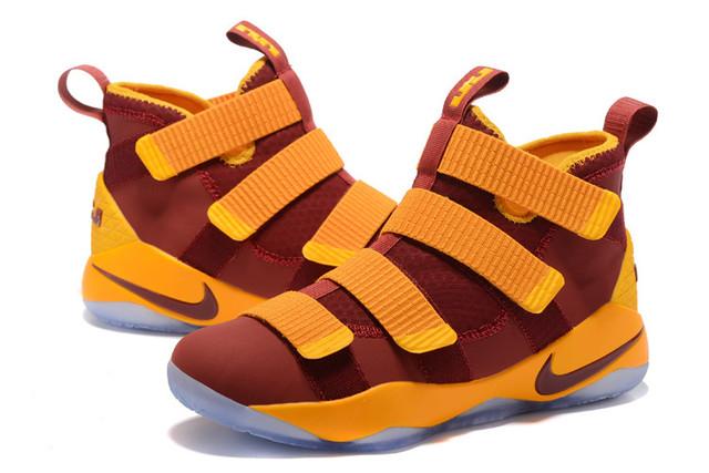 Баскетбольные кроссовки Nike Lebron Soldier 11