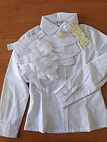 Школьная белая блуза с кружевным жабо.146р.