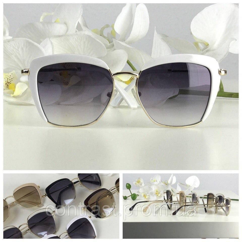Эффектные солнцезащитные очки с оверсайз-оправой (белая оправа, синяя линза)