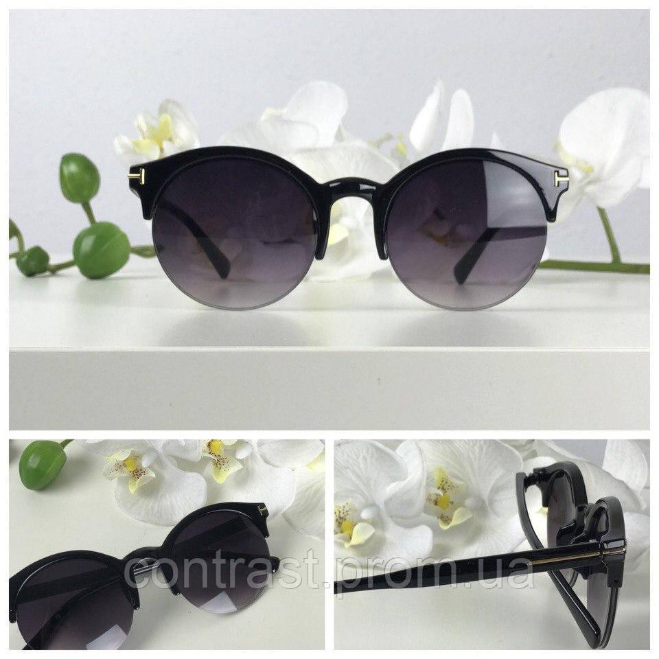 Элегантные солнезащитные очки с оправой browliners