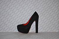 Туфли замшевые  на высоком устойчивом каблуке черные