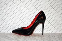 Туфли лодочки на высокой шпильке лаковые черного цвета
