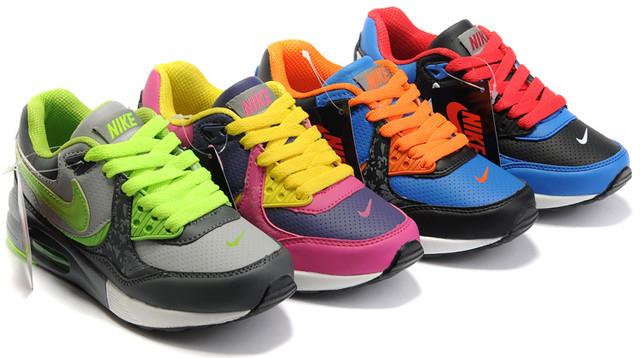 Детская и подростковая обувь. Товары и услуги компании