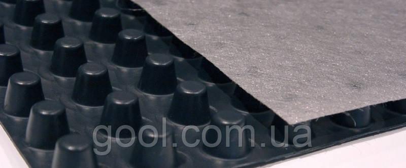 Шиповидная геомембрана Изолит 0.5 мм. 1,5х20 м.п. в рулоне 30 м2