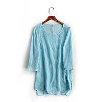 Блузка голубая с вышивкой