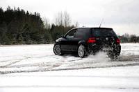 Тестирование зимних шин для автомобилей гольф-класса