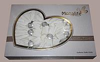 Скатерть декорирована гипюром Monalife Home Store на 8 персон с кольцами