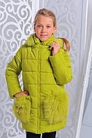 Зимняя куртка с мехом на карманах