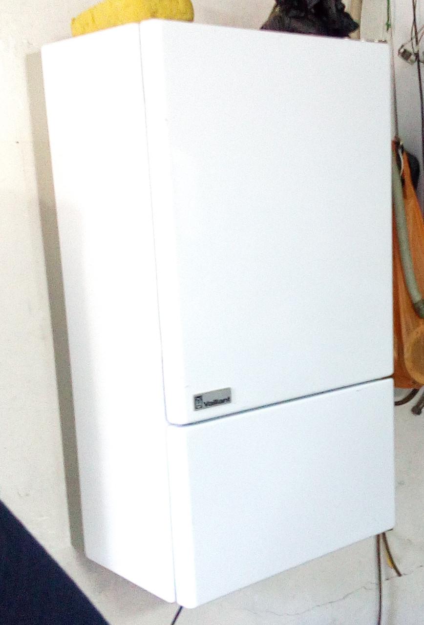 Б/у Газовый котел Vaillant T4 дымоходный 18 кВт
