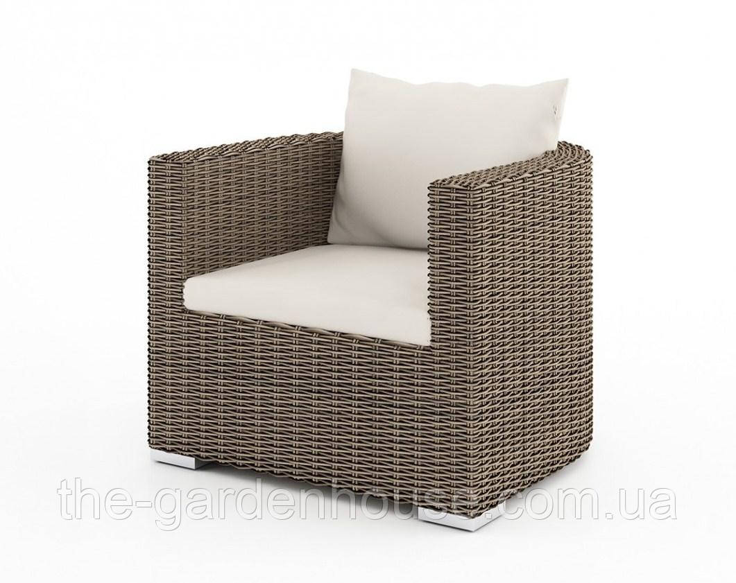 Садовое кресло VeneziaRoyal из искусственного ротанга бежевое