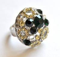 КО1460-25 кольца. Безразмерное с зелеными камнями