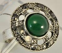 КО780-3 кольцо с зеленым камнем